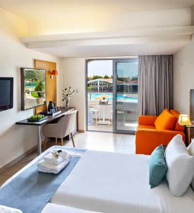 Twin Rooms with Pool View