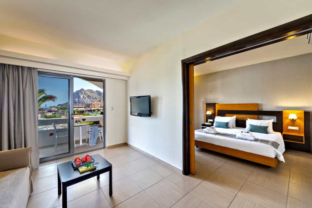 Leonardo Hotels & Resorts Mediterranean - suiteTwoRoomsPoolView_01.jpg