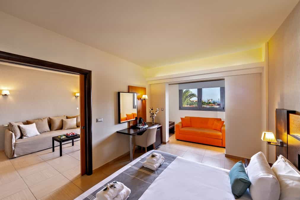 Leonardo Hotels & Resorts Mediterranean - suiteTwoRoomsPoolView_02.jpg